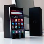 Huawei P8 puhelin