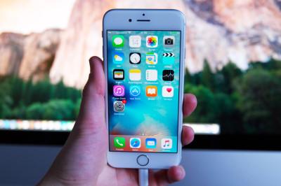 Apple iPhone 6s valkoinen